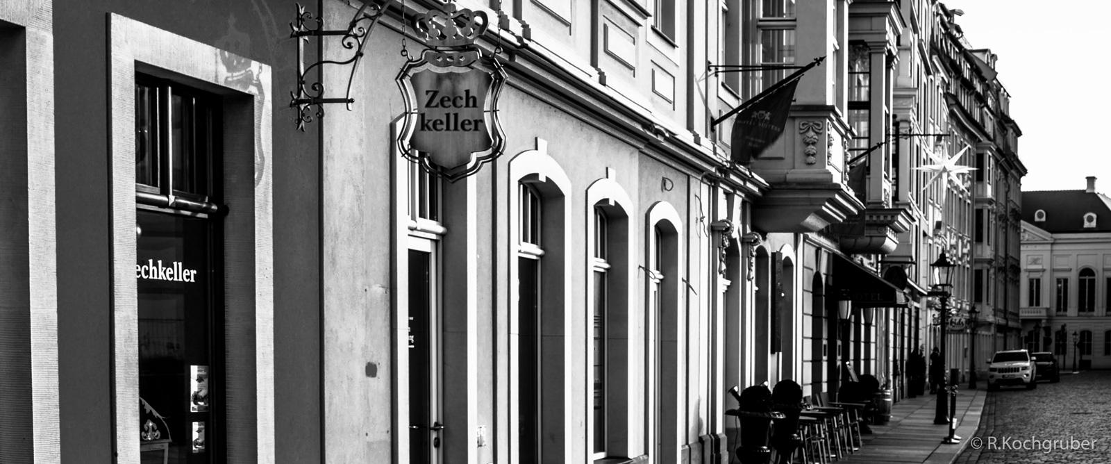 Dresden-Haeuserfront