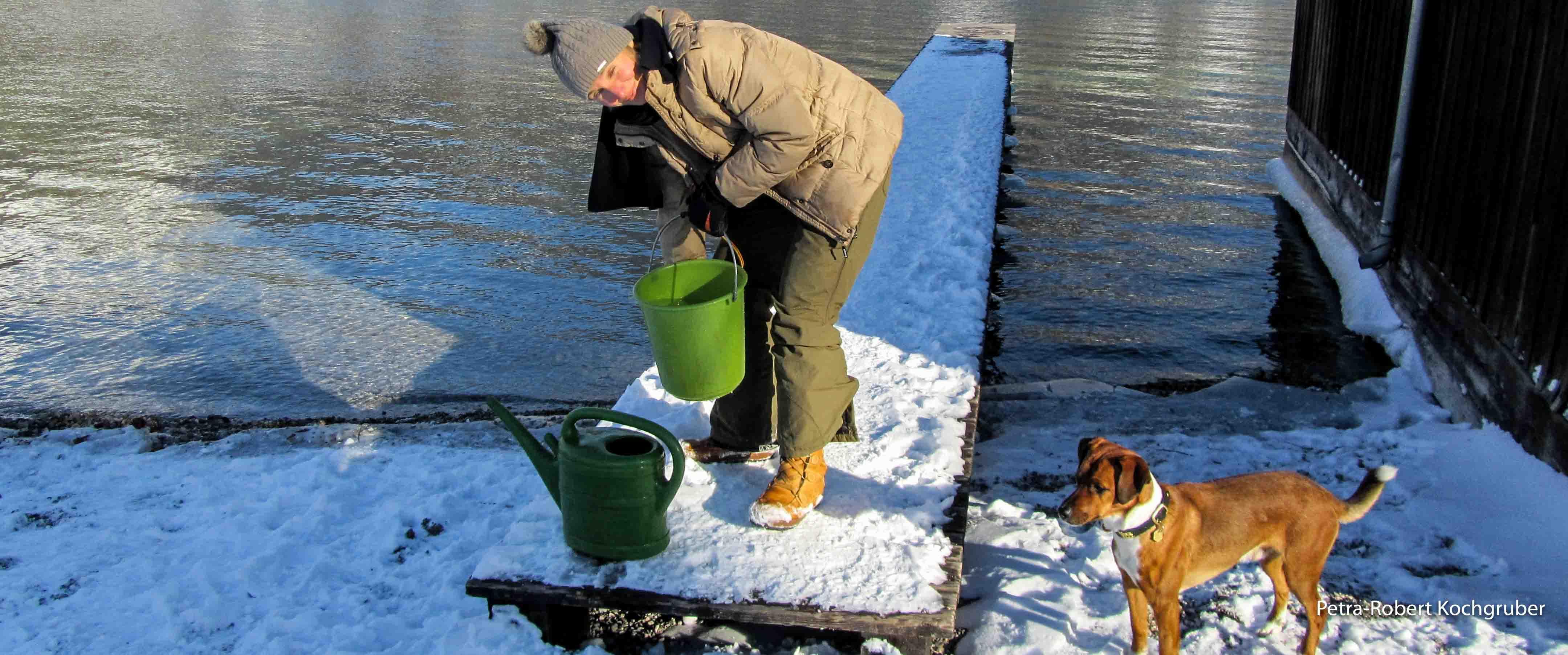 Wasserschöpfen am Wolfgangsee unter der strengen Aufsicht von Herrn Monet.