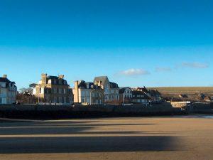 arromanches-les-bains-strand-wohnmobil-in-der-normandie