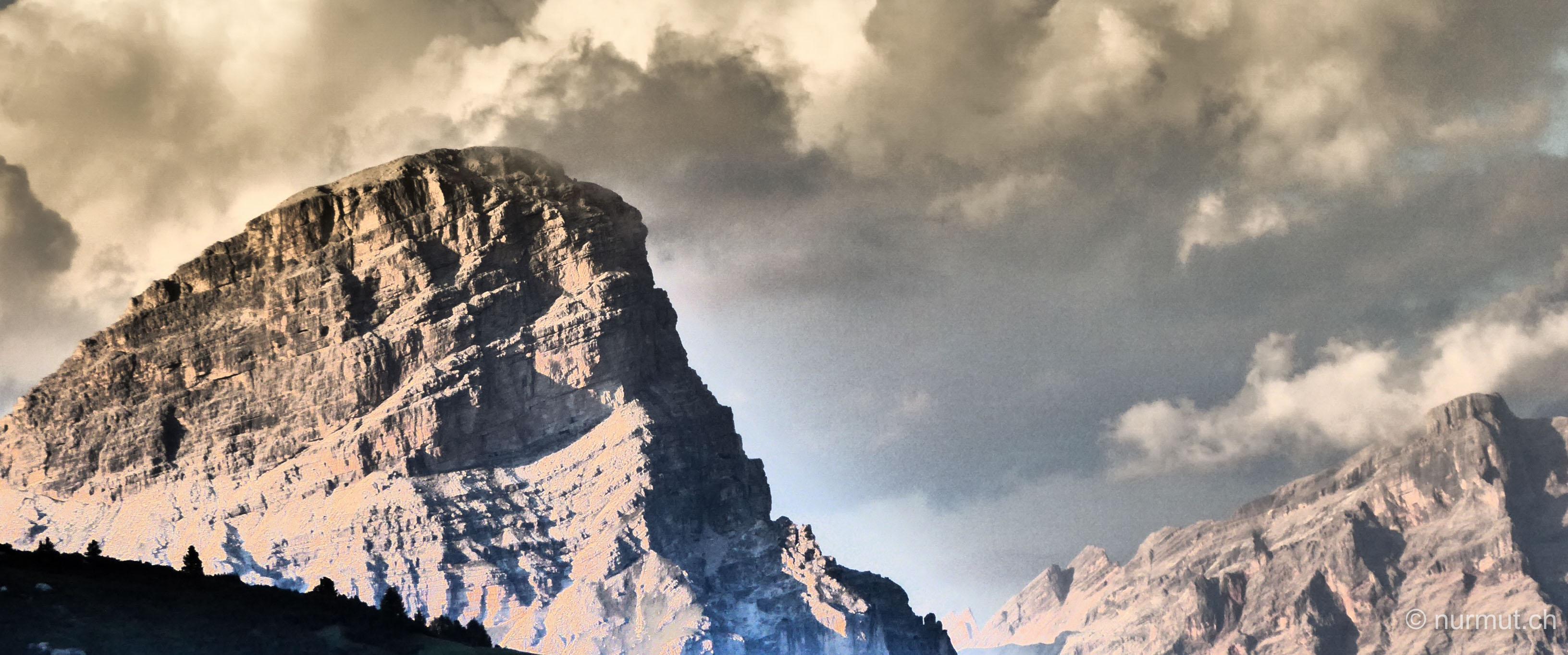 nurmut.ch-gewitterwolken-dolomiiten