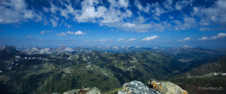 Alpenpanorama-schwarzhorn-buendner alpen