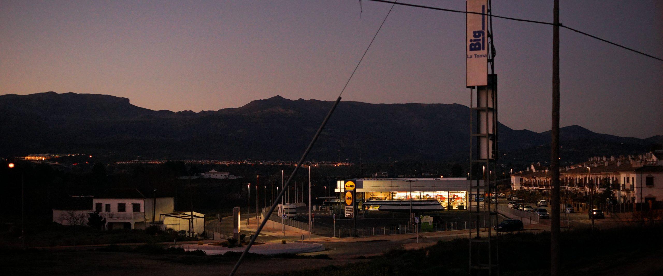 corona-krise-auf-reisen-supermarkt-spanien-früher-morgen